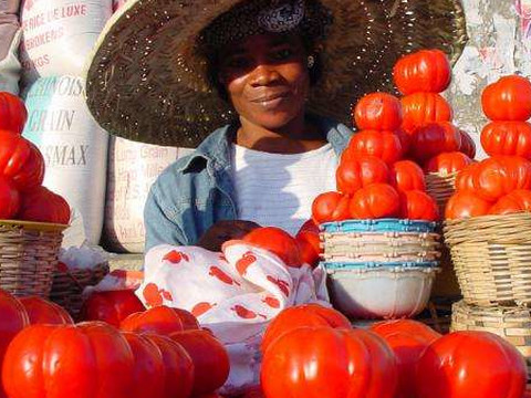 70% of working Ghanaians are in the informal sector, only 2% pay tax