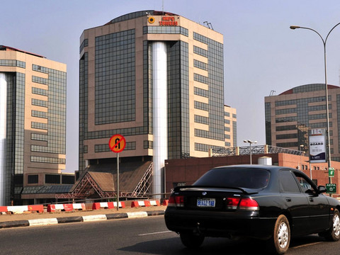 Nigeria slaps 6 oil giants with $20 billion in back taxes